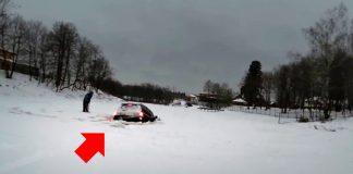 Крузер эффектно дрифтанул по озеру и стремительно ушел под лёд
