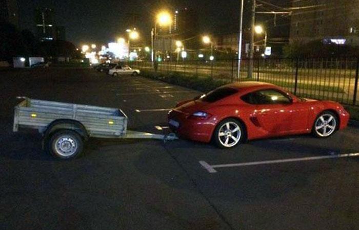 Как объяснить любимой бабуле, что это Porsche!