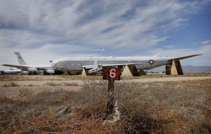 Американская военно воздушная база Дэвис-Монтан