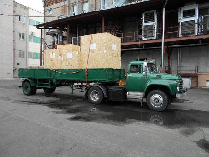 Из старенького ЗИЛ-130 водитель собрал себе красивый и мощный грузовик
