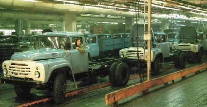 Конвейер завода зил транспортер винтовой конвейер шнековый